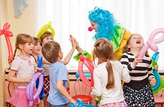 Картинки по запросу дополнительная услуга день именинника в детском саду